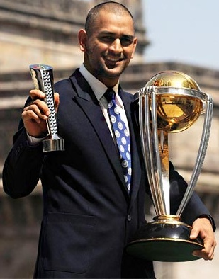 Dhoni-with-World-cup-2011